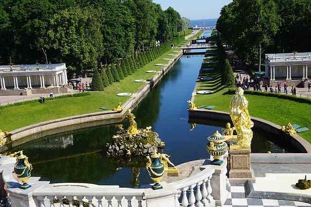 St Petersburg summer palace Peter the Great